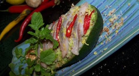 Ceviche śledziowe w awokado